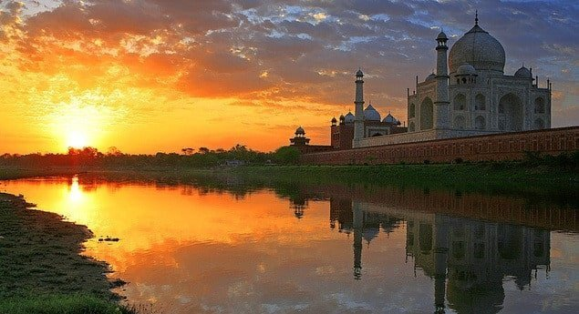visit taj mahal from delhi